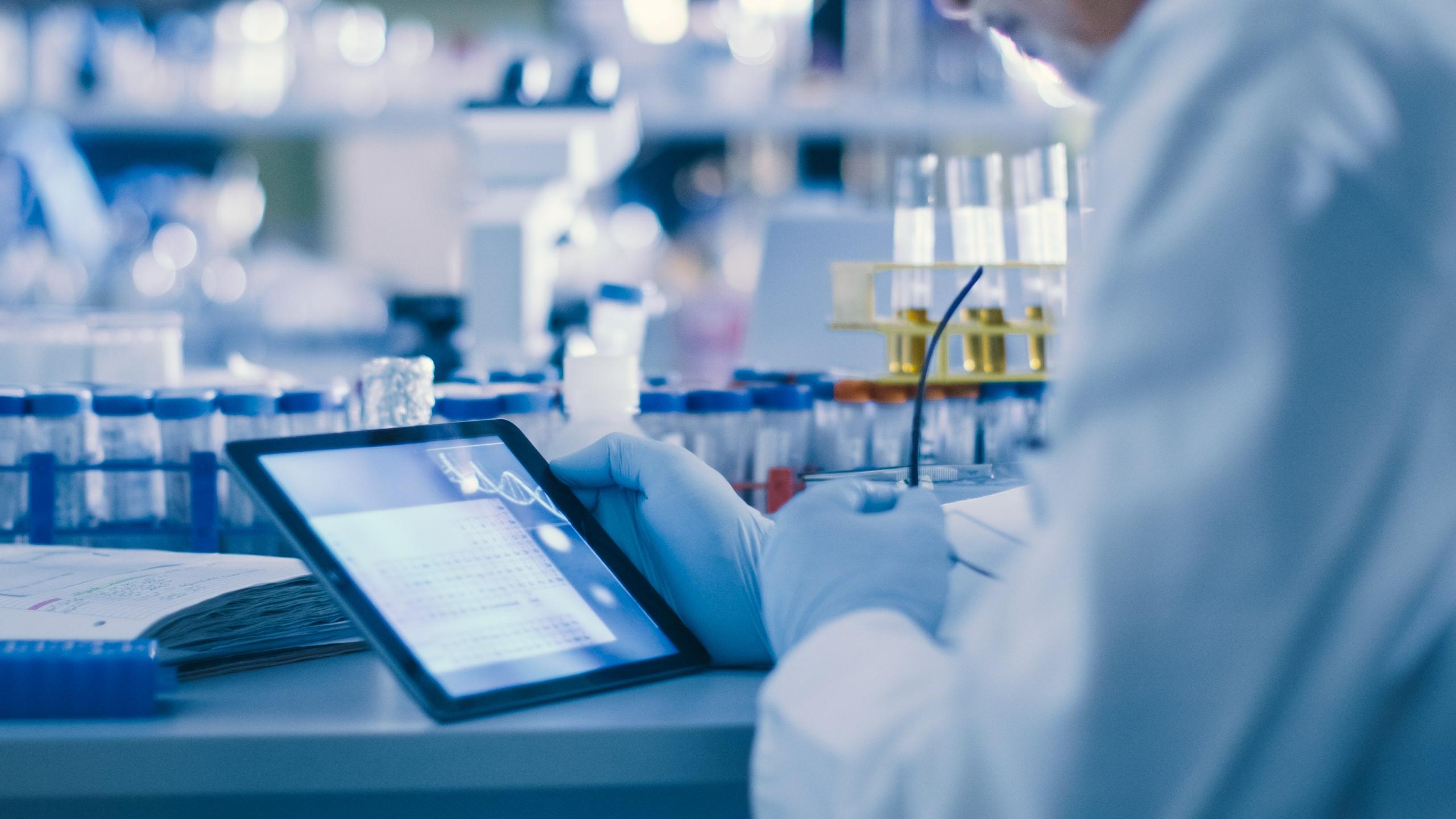 Analyse prédictive de la persistance environnementale d'une substance chimique